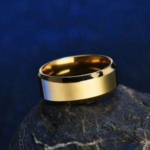 GORGEOUS WEDDING RING SIZE 11 NEW